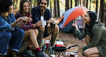 Acampamentos-e-Colonias-de-Ferias--O-Trabalho-e-a-Montagem